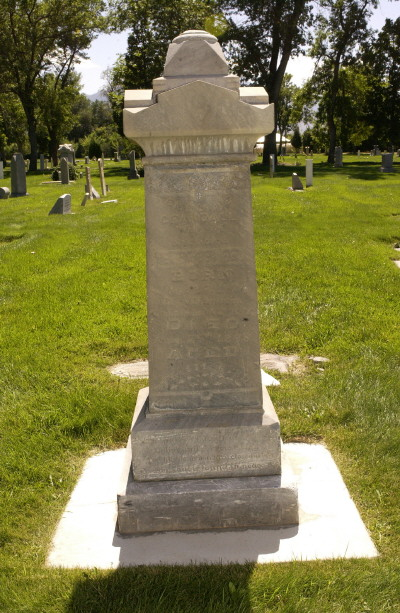Emeline Crandall gravestone