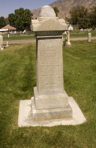 Laura Crandall Bird gravestone